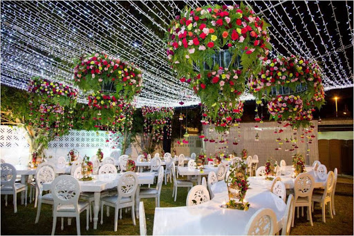 How flowers can be decorated?